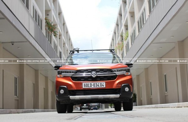 Giá xe Suzuki XL7 lăn bánh ở Bình Dương